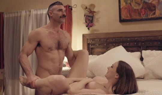 Измена порно - Отец трахает дочь в целях воспитания и изменяет своей жене