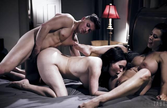 Brazzers - Сын на большой кровати трахает мамку и ее подругу