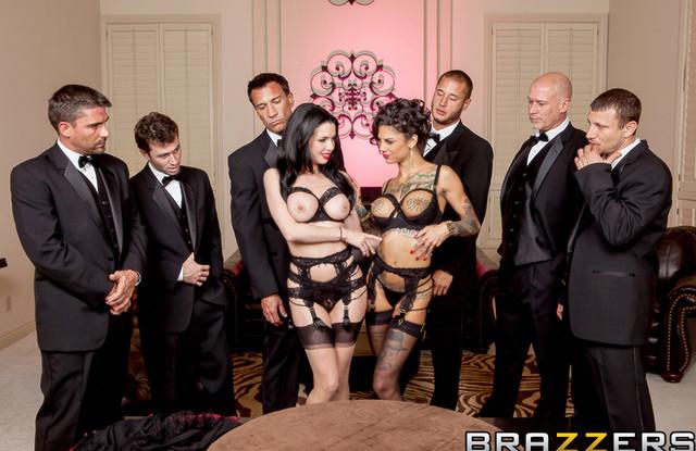 Жена умудрилась изменить мужу сразу с шестью мужчинами